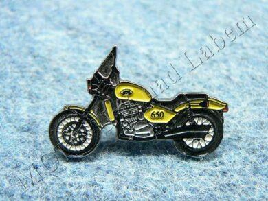 Pin badge JAWA 650 Classic (yellow)(930044)