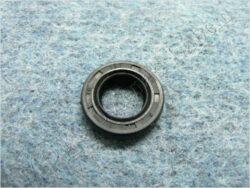 Oil seal 13,7x24x5 w/ dust guard