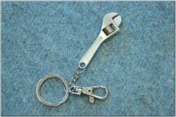 Pendant monkey wrench ( Louis )