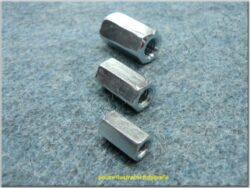 matice M10x1,5 - šestihranná / prodlužovací